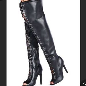 🎉🎉Thigh High Black Boots w/ open toe and laces.